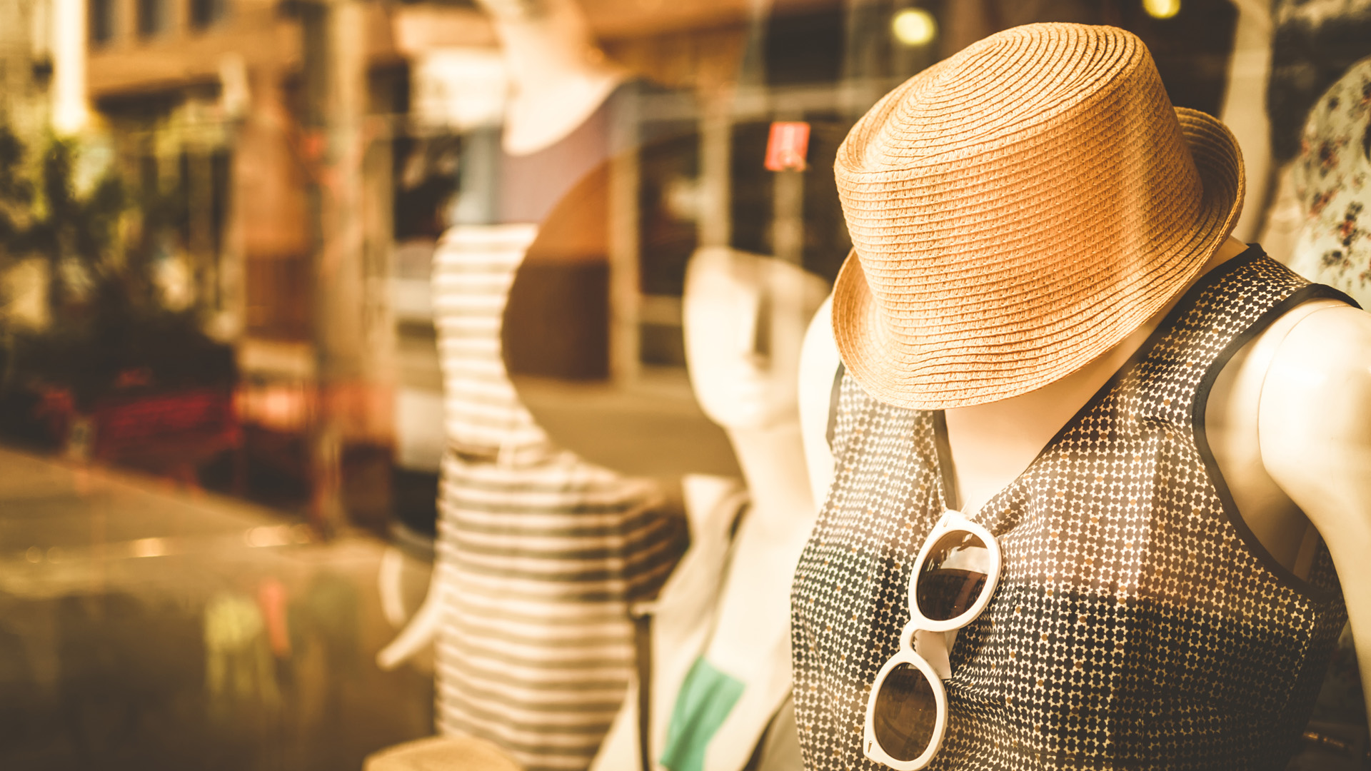 6-Major-Challenges-in-Retail-Industry-How-to-Overcome-Them