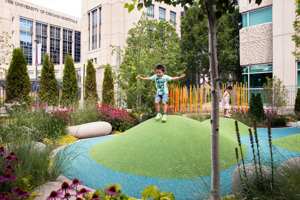 ucmc-comer-playground-hospital-garden-play-rubber-berm-color-texture-landscape-architecture-site-design-group-chicago